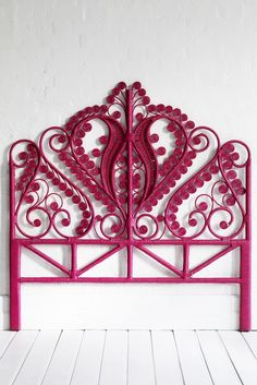 Queen- Peacock-BedHead-Fuchsia  There is really nothing fair in the world until I have one of these headboards!