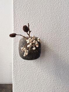 """Midwinter"" Wall vase by Ryutaro Yamada 「真冬」 花器、山田隆太郎"