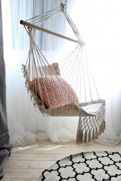 Cozy and Beautiful Indoor Swing Chairs Ideas - Indoor Hammock Chair, Diy Hammock, Indoor Swing, Hammocks, Bedroom Swing, Best Chair For Posture, Macrame Hanging Chair, Hanging Chairs, Diy Hanging