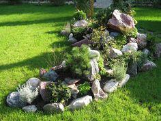 Alpine slide in the garden Rockery Garden, Succulents Garden, Landscaping With Boulders, Front Yard Landscaping, Garden Whimsy, Garden Art, Rock Garden Design, Outdoor Garden Decor, Garden Stones