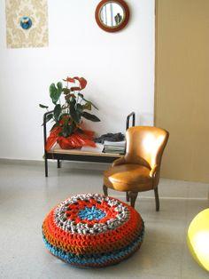 Puff Trapillo. Crochet XXL talleres: www.barribastall.com