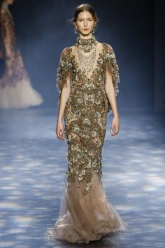 See the complete Marchesa Fall 2016 Ready-to-Wear collection.