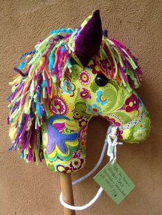 Comment faire un beau cheval qui va transformer mon enfant dans un monde de faire croire et magique ? FACILE ! Voici comment...    Après des années