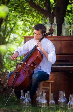 Stjepan Hauser of 2Cellos playing my Colin Irving cello, Marylin. He borrowed her for a couple of years.