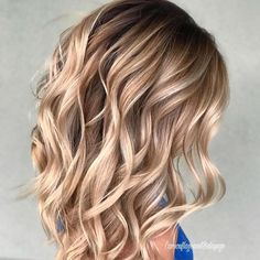 Hair Color Trends 2018 – Highlights : Butterscotch Blonde Hair Color Trends 2018 – Highlights Butterscotch Blonde Discovred by : Brooke Albers Ombre Hair, Balayage Hair, Bayalage, Haircolor, Brown Balayage, Brown Blonde Hair, Blonde Hair For Fall, Caramel Blonde Hair, Cool Hair Color