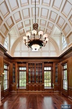 Oprah's new house? Mmm, that is some gorgeous ceiling! (viaHome Bunch - An Interior Design & Luxury Homes Blog)