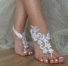 Beach Wedding Sandals ▲  French lace barefoot sandals Do you dream of a dreamy beach wedding?Walk barefoot on the sand? To reveal all the beauty of