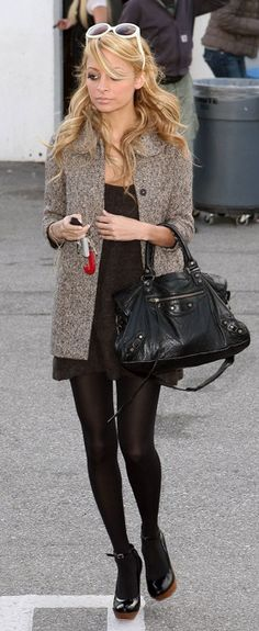 Nicole Richie in a perfect daily outfit