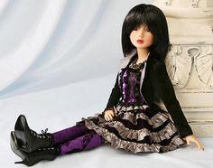 delilah-noir-debut2-collectible-dolls.jpg (587×463)