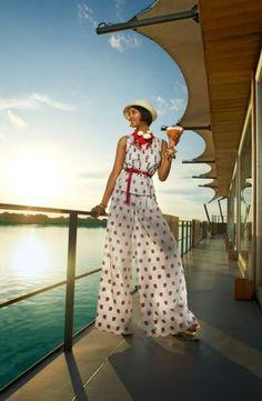 M/V Aria - Aqua Expeditions: Vibrant Spring Fashion in the Amazon River | Condé Nast Traveler - March 2013