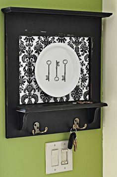 Love the key rack and the keys. Not so hot about the plate, but everything else would be perfect. by leanne