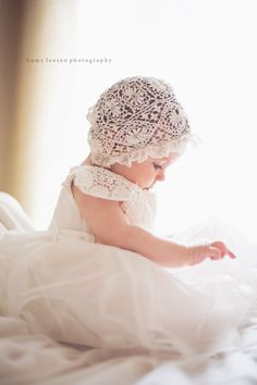 1 (small web) Choosing children's baptismal dresses has long been … Baby Baptism Pictures, Christening Photos, Girl Christening, Baby Pictures, Blessing Dress, Baby Blessing, Baptism Outfit, Baptism Dress, Baby Baptism Photography