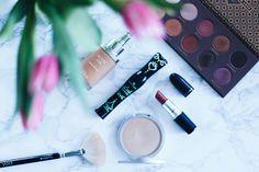 Heute zeige ich euch auf meinem Beautyblog aus Österreich meine Top 5 Makeup Must Haves. Alle Produkte und Links findet ihr jetzt online.