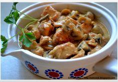 Gulasz z indyka z pieczarkami. - DoradcaSmaku.pl Potato Salad, Potatoes, Lunch, Meat, Chicken, Ethnic Recipes, Dinner Ideas, Food, Meal