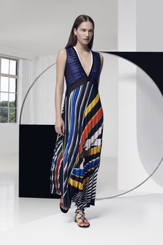 Mary Katrantzou Resort 2016 Fashion Show