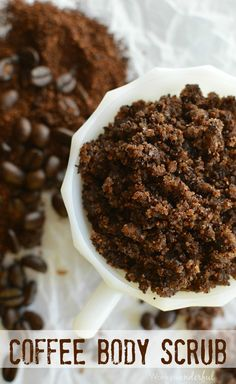 Homemade Coffee Body Scrub DIY Coffee Body Scrub : Homemade Sugar Scrub : Great for exfoliating & reducing the appearance of cellulite! Diy Body Scrub, Diy Scrub, Sugar Scrub Homemade, Coffee Scrub, Homemade Beauty Products, Tips Belleza, Beauty Recipe, Up Girl, Diy Beauty