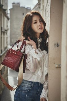 Lee Si Young is the Latest Star to Pose for InStyle Magazine | Koogle TV
