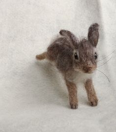 Needle Felted Cottontail Bunny Rabbit Baby by ClaudiaMarieFelt Knitted Animals, Needle Felted Animals, Felt Animals, Cute Animals, Wool Needle Felting, Wet Felting, Woodland Creatures, Woodland Animals, Alpaca