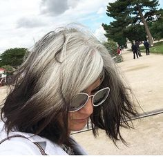 Sophie Fontanel Long Gray Hair, Grey Hair, Gray Hair Growing Out, Amazing Grays, Transition To Gray Hair, Silver Highlights, Wise Women, Going Gray, Grow Out