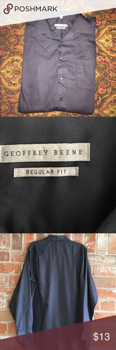 Men's Dress Shirt By Geoffrey Beene (L) This shirt is so soft. I 💜the silky material. It is in great condition. No rips stains or tears. Ask me if you want measurements 😃💕❤️ it is true to size Geoffrey Beene Shirts Dress Shirts