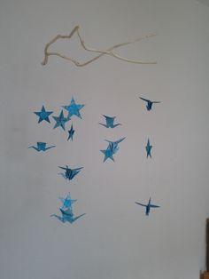 DIY mobile suspension en origami étoiles et grues. Réalisation Claire de Lune.