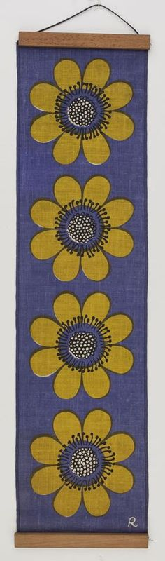Wall Hanging - John Rodriquez, Purple with Green Flowers, 1968-1975 - Museum Victoria.