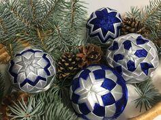 Melinda35 / vianočné patchworkové gule modro-strieborné s bielym lurexom