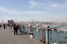 Galata Bridge - Istanbul http://www.korowaihouse.com/2015/05/istanbul-chi-ho-incontrato/