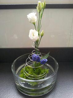 Flower arrangements: Phlox en druif 'op' draad