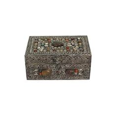 NOVICA Handmade Repousse Brass Jewelry Box ($98) ❤ liked on Polyvore featuring home, home decor, jewelry storage, clothing & accessories, jewelry, jewelry boxes, metallic, metalwork, novica home decor and jewelry chest
