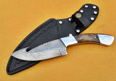 "Handmade - 10"" Damascus Gut Hook Knife With Stainless Blosters Walnut Handle And Beautiful Leather Sheath"