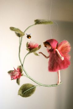 Pink Flower fairy Waldorf inspired: Wool fairy with bee Christmas Presents For Her, Felt Christmas, Wool Dolls, Felt Dolls, Fairy Crafts, Felt Crafts, Felt Flowers, Pink Flowers, Felt Fairy