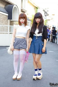 Kinako and Ririe are two 17-year-old students we recently met in Harajuku, both of them wearing cute summer outfits.