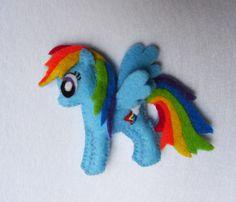 Mi pequeño pony MLP fieltro broche de Rainbow por LiliBoboCrafts