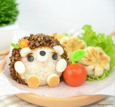Kawaii food art Baby hedgehog bento by maysatch Cute Food, Good Food, Yummy Food, Tasty, Japanese Food Art, Kawaii Bento, Bento Recipes, Bento Ideas, Snacks