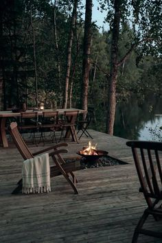 Cabins In The Woods, House In The Woods, Haus Am See, Lakeside Cabin, Lakeside Living, Villa, Forest House, Outdoor Furniture Sets, Outdoor Decor