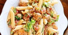 Pâtes au poulet, bacon, brocoli...sauce crémeuse et délicieuse Veggie Recipes, Pasta Recipes, Dinner Recipes, Cooking Recipes, Healthy Recipes, Confort Food, Sauce Crémeuse, One Pot Pasta, Breakfast Lunch Dinner
