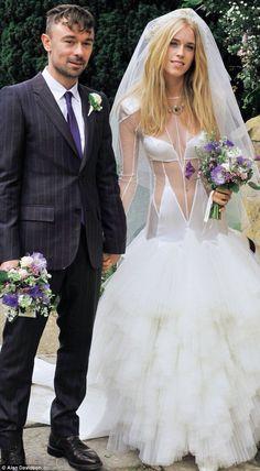 mary charteris style British wedd