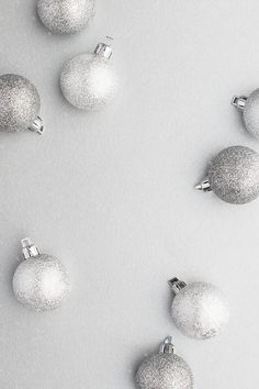 Styled stock photography images featuring silver holiday decor on a silver background. Noel Christmas, Christmas Quotes, Photography Business, Image Photography, Photography Ideas, Holiday Ornaments, Holiday Decor, Holiday Gifts, Seasonal Image