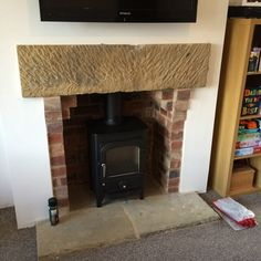 Clearview Pioneer 400 - Brick Chamber with Stone Lintel - Buff Limestone Flagged Hearth Wood Burner Fireplace, Limestone Fireplace, Log Burner Living Room, Living Room With Fireplace, Bedroom Chimney Breast, Fireplace Design, Fireplace Ideas, Stove Installation, York Stone