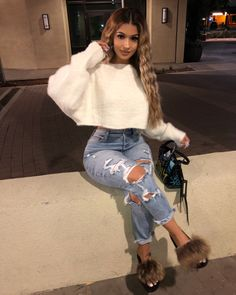 Jeans outfit - Dope outfits - Source by outfits Cute Swag Outfits, Chill Outfits, Dope Outfits, Jean Outfits, Stylish Outfits, Baddie Outfits Casual, Cute Everyday Outfits, Basic Outfits, Girl Clothing