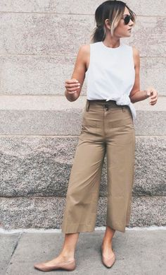 Khaki Pants Outfit Pictures a white top khaki pants and beige flats outfit ideas Khaki Pants Outfit. Here is Khaki Pants Outfit Pictures for you. Khaki Pants Outfit great lookkhaki pants white tee and denim shirt mens. Fashion Mode, Work Fashion, Fashion Photo, Runway Fashion, Fashion Beauty, Fashion Trends, Simple Outfits, Casual Outfits, Khaki Pants Outfit