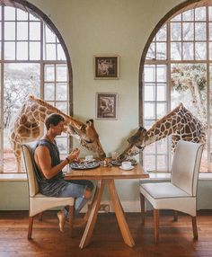 Have Breakfast With Giraffes in This Kenya Hotel - TripsToDiscover.com