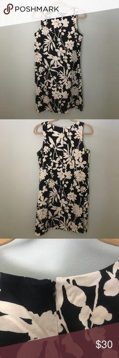 Van Heiden Floral Shift Dress Perfect condition. Worn once. Van Heusen Dresses Midi