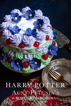 Harry Potter: Aunt Petunia's Windtorte Pudding - Feast of Starlight Cupcakes, Cupcake Cakes, Just Desserts, Dessert Recipes, Dinner Recipes, Harry Potter Food, Harry Potter Recipes, Harry Potter Treats, British Baking