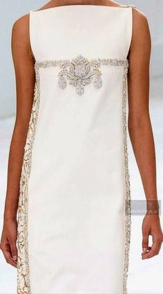 Ideas Moda Chic Chanel Haute Couture For 2019 - Mode für Frauen Chanel Couture, Couture Fashion, Elegant Dresses, Pretty Dresses, Sun Dresses, Lace Dresses, Summer Dresses, Formal Dresses, Couture Dresses