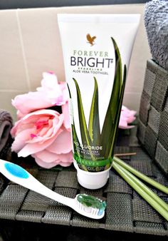 Your teeth will gleam with Forever Bright, one of the best toothgels on the market. Aloe Vera Gel Forever, Forever Living Aloe Vera, Forever Bright Toothgel, Aloe Lips, Forever Living Business, Aloe Vera Skin Care, Forever Life, Forever Living Products, Dental Care