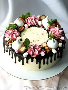 Cake Decorating For Beginners, Cake Decorating Techniques, Chocolate Drip Cake, Decadent Cakes, Dessert Decoration, Just Cakes, Holiday Cakes, Drip Cakes, Floral Cake