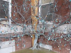 A huge creation made entirely of copper wire - every leaf has the name of a student Wire Trees, Copper Wire, Art Forms, Bonsai, Leaves, Student, Projects, Painting, Style