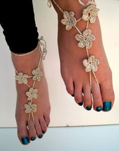 Silver Barefoot Sandals, barefoot sandles, Crocheted Flower Anklet, Foot Jewelry, Beach Wedding, Bride accessory, metallic silver thread